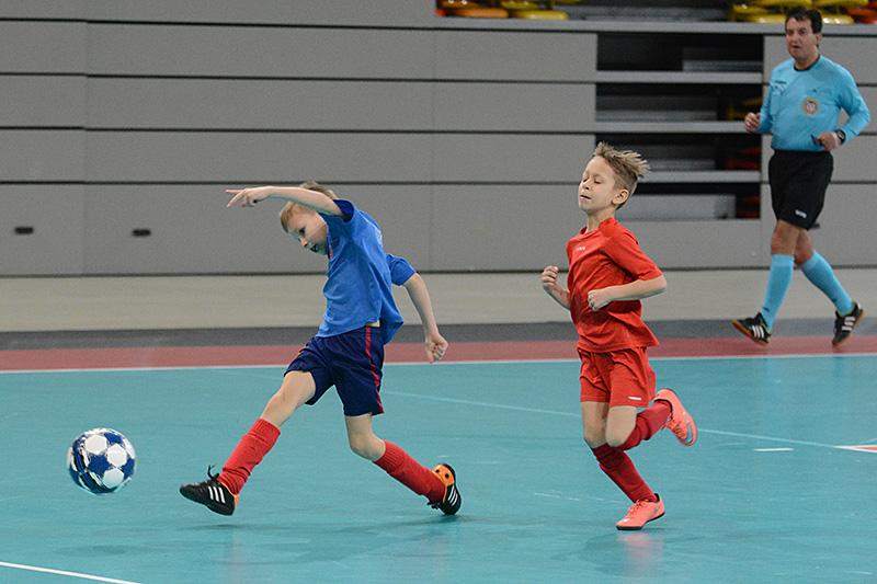 47d747a8a Drużyna Rakowa Częstochowa triumfowała w niedzielę, 15 stycznia w Hali  Sportowej Częstochowa w XXX Halowym Turnieju Otwarcia Ferii Zimowych Piłki  Nożnej ...