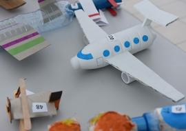 samolot-z odpadow-09